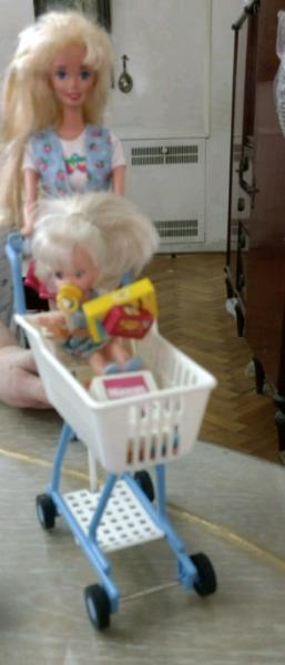 Barbie y Kelly en el Supermercado