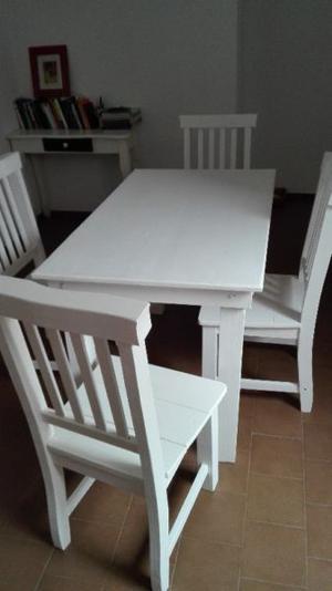 Juego mesa y 4 sillas pino blancas