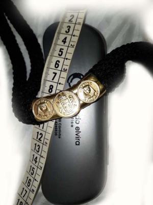 cadena en cuerdas de hilo de seda con 3 medallas egipcias.