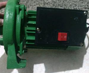 Bomba centrífuga 1pulg, 1.5 hp