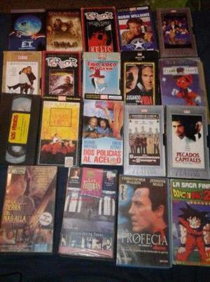 Vendo 2 cajas llenas de películas VHS en perfecto estado