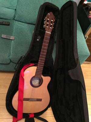 Guitarra Luthier Electro-Criolla. Media caja