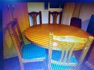 Juego de mesa y 4 sillas