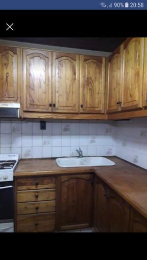Mueble de cocina de madera paraiso