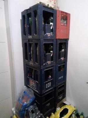 Vendo esqueletos más envases línea Pepsi