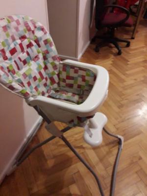 silla de comer muy poco uso