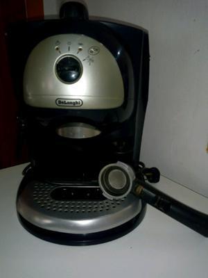 Cafetera Express DeLonghi Ec  Bares w