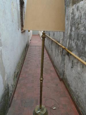LAMPARA DE PIE DE BRONCE