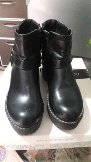 Vendo botas muy comodas!!