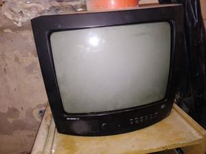 "Vendo TV 14"" con soporte"