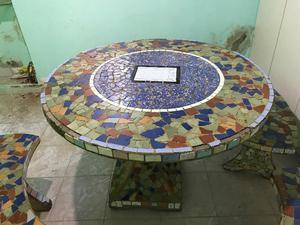 Mesa De Cemento Revestida En Ceramica