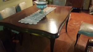 Mesa de comedor antigua estilo Luis XV y sillas