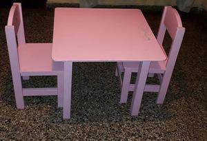 Mesa y 2 sillas para niños - producto usado