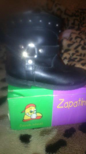 Vendo botas de nena