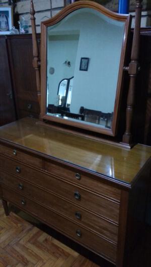 Antigua cómoda estilo inglés con espejo biselado impecable