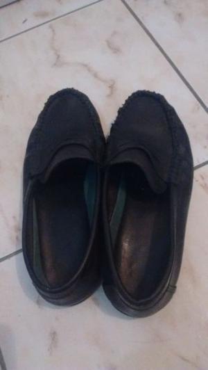 Mocasines cuero negro 200 pesos