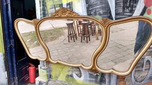 Antiguo espejo estilo Frances impecable