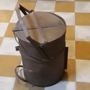 Balde o Caja Carbonera Antigua De Hierro