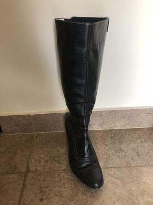 Botas de cuero altas número 35 - color negro