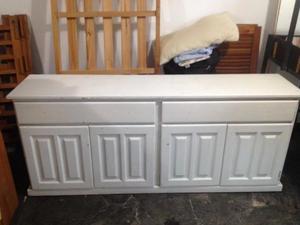 Mueble Comoda de Pino Color Blanco en La Plata Muy Buen