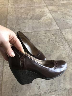 Zapatos de cuero clásicos - Número 35- color marrón
