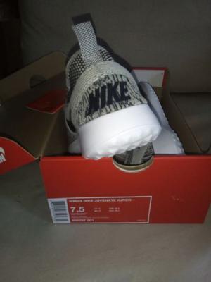 Nike Juvenate N°37 uk5 nuevas en caja $ ORIGINALES.