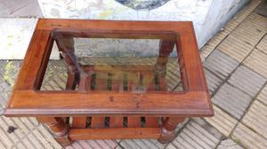 Hermosa mesa ratona de algarrobo con vidrio fume