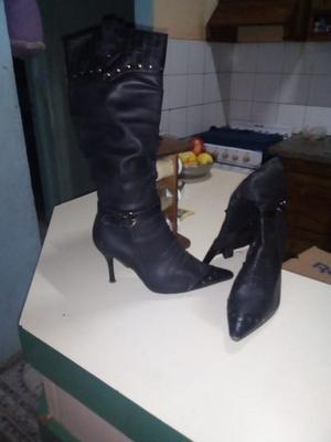 Vendo botas de cuero n39