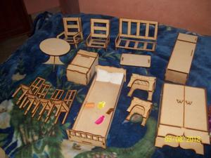 casita para muñecas con muebles y muñecas
