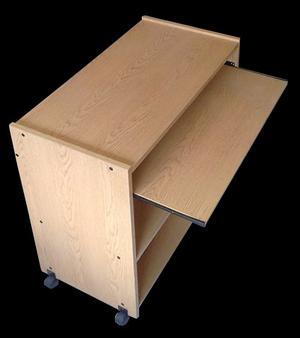 Mueble melamina para compu 77 x 43 x 84 cm $600