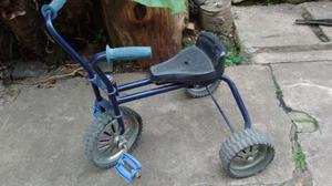 Triciclo para niños de metal con ruedas de goma