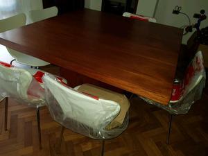 Vendo juego de mesa(1.40x1.40) con 6 sillas, nuevo, mas