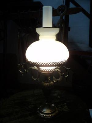 Antigua lámpara de mesa estilo Quinque, Bronce. Antigua