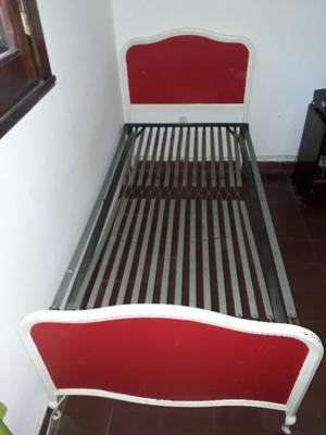 cama 1 plaza excelente estado con mesa de luz