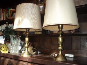 Antiguos veladores de bronce. Antigua Saudade