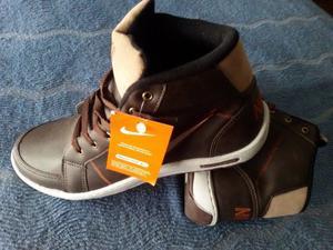 Botitas Nike Marrón Talle 41. Nuevas. Sin uso. Made in
