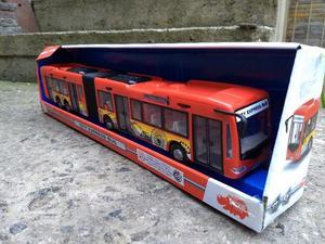 Colectivo micro articulado fuelle metrobus Fricción