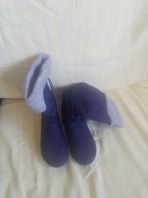 Botas azules marca Zara