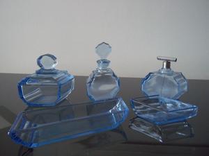 Juego de adorno de cristal de toilette. Color azul.