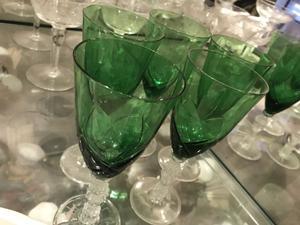 Variedad juegos de copas en cristal talladas.