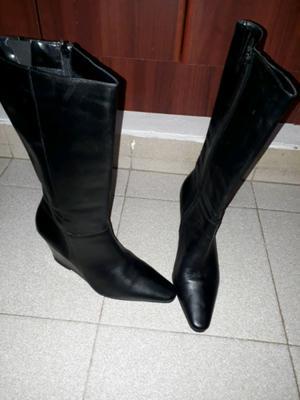 Vendo bota media caña