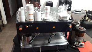 maquina de cafe dos bocas nueva con bajillas