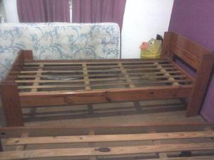 Cama de 1 plaza de madera precio negociable