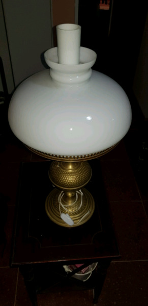 Velador de bronce antiguo altura 50 centímetros más o