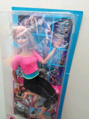 Muñeca Barbie totalmente articulada