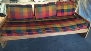 Sillon cama con colcon de 1 plaza y 3 almohadones de tela