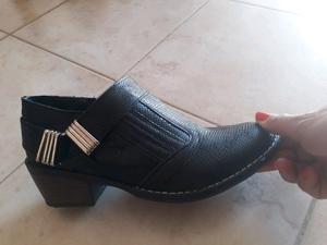 Zapatos charritos número 36 un uso