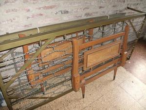 cama con carrito de estilo hierro macizo y madera maciza