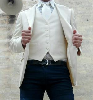 Saco, chaleco y corbata! de gala!
