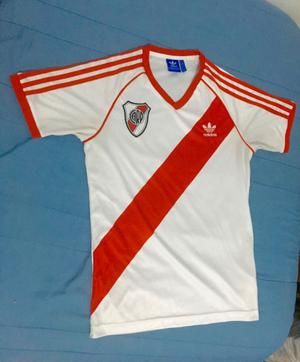 Camiseta River adidas Originals Retro 86